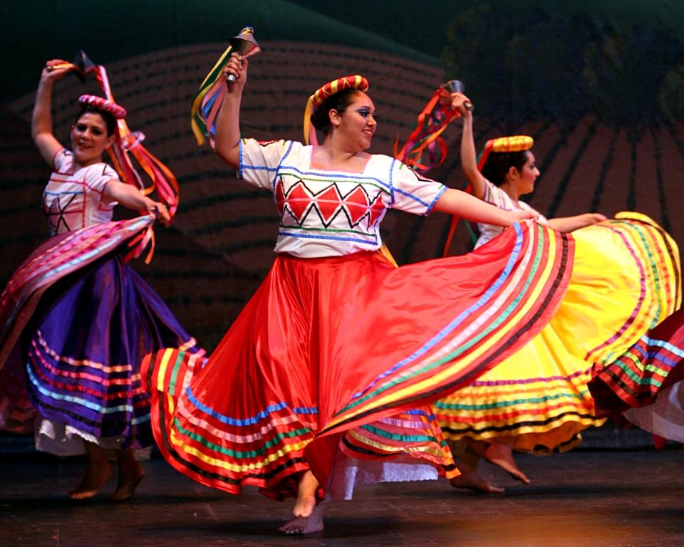 Esperanza Flores Ballet Folklorico